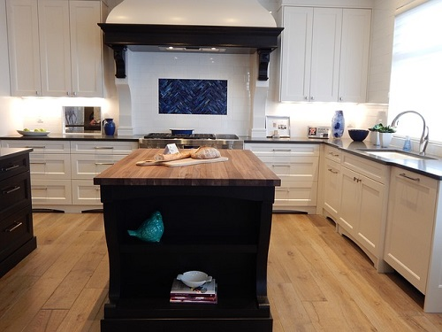 Cómo cambiar suelo de cocina sin quitar muebles